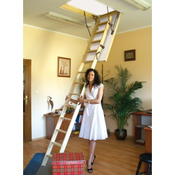 Drewniane schody strychowe